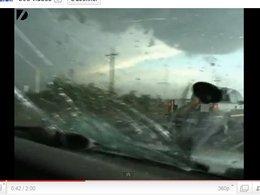 [vidéo] Un orage de grêle détruit une voiture