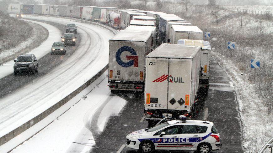 Les transporteurs routiers critiquent une gestion calamiteuse — Restrictions de circulation