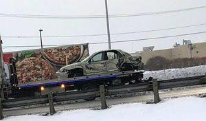 Il roule avec une voiture coincée sous son camion pendant 3km