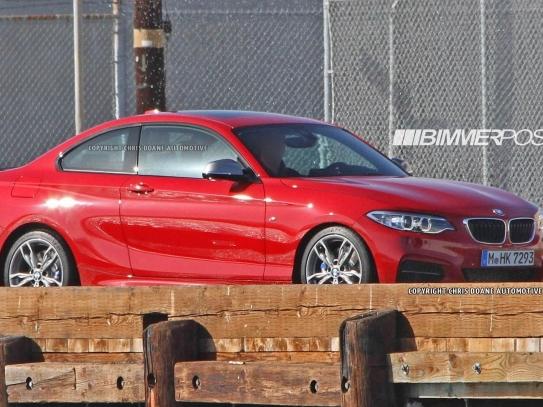 La BMW Série 2 dévoilée partiellement dans un teasing