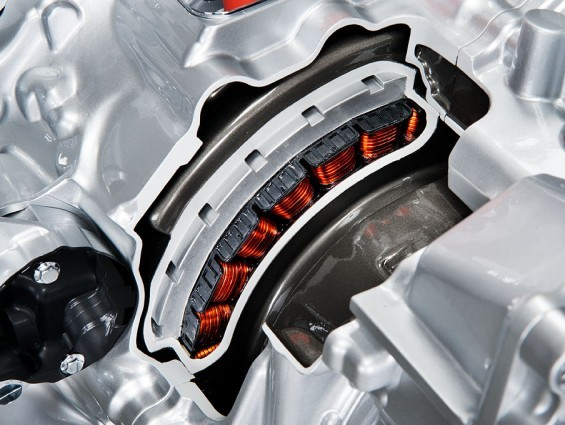 Renault va enfin commercialiser des hybrides