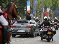 Vidéo - Déplacement officiel : François Hollande roule à 180 km/h sur autoroute