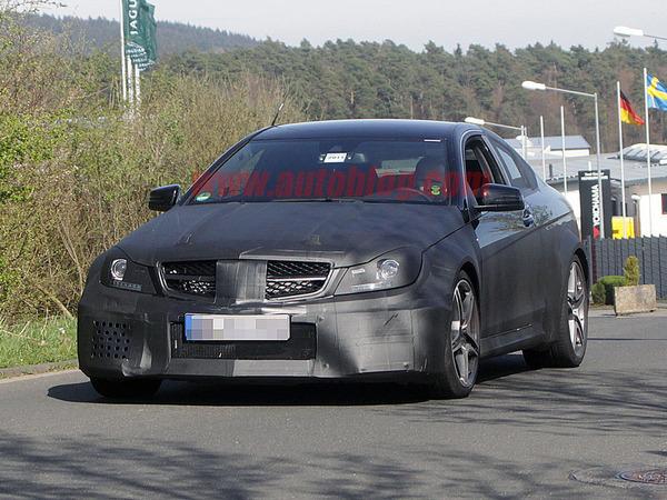 Future Mercedes C63 AMG Coupé Black Series : déjà très méchante