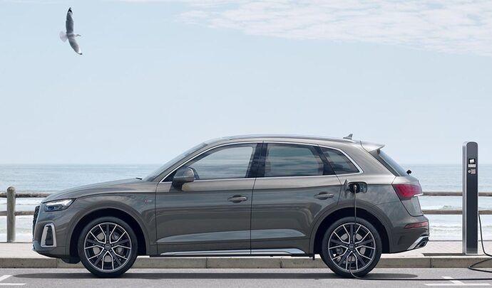 Audi ouvre les commande du Q5 hybride rechargeable restylé - Caradisiac.com