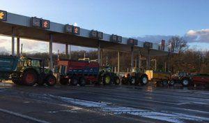 Circulation: après la neige les tracteurs!