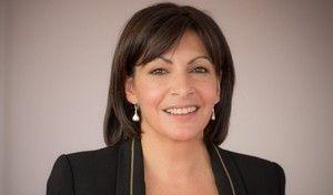 Anne Hidalgo affirme qu'Autolib ne perd pas d'argent… et invite Valls à prendre le métro!