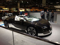 Genève 2010 : Bugatti Veyron Grand Sport, Grey Carbon & Royal Dark Blue