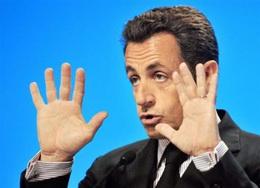 Sarkozy dévoile son plan d'aide à l'automobile : prime à la casse de 1000 euros, prêt aux constructeurs, soutien des sous-traitants