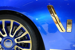 """Genève 2010 live : Mansory """"Gold"""" Ghost, la Rolls Royce joyeuse"""