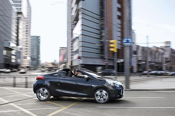 Renault Wind et Clio Gordini R.S. en photos et vidéos officielles