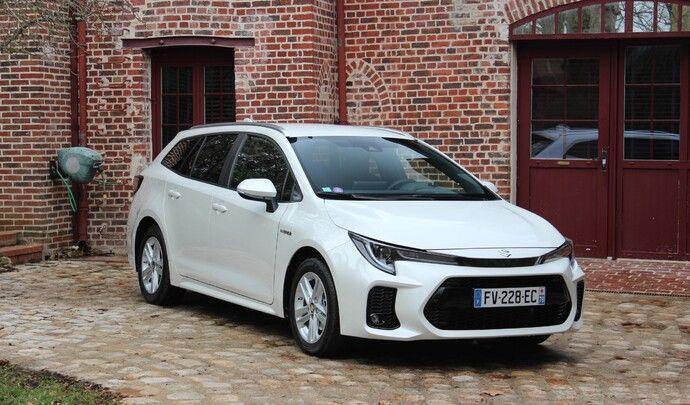 Essai vidéo - Suzuki Swace (2021) : meilleure que la Toyota Corolla Touring Sports?