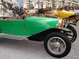 La Fondation du Patrimoine restaure une Bugatti, un autocar et un camion Saurer