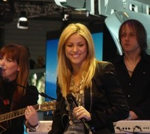 Genève 2010 Live : Shakira chez Seat, She Wolf