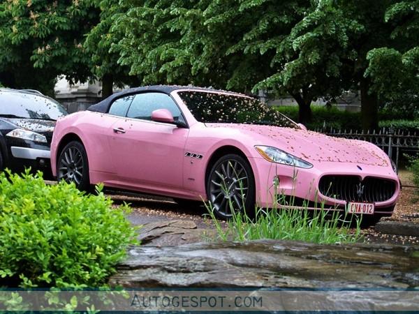 Maserati GranCabrio : bonne pour Paris Hilton