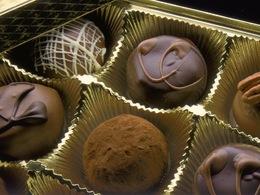La police fribourgeoise va récompenser les bons conducteurs... avec du chocolat