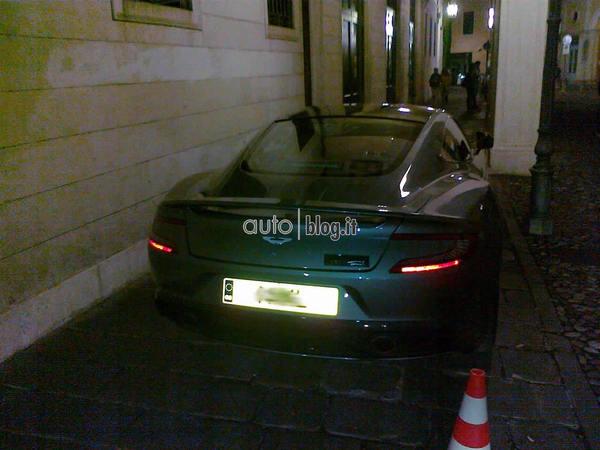 Nouvelle Aston Martin Vanquish: photos, vidéo... elle ne se cache plus