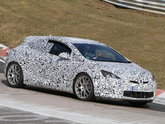 [vidéo] L'Opel Astra OPC à l'attaque sur le Nürburgring