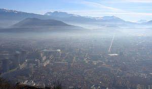 Pollution: nouvelles restrictions à Grenoble, fin des mesures à Paris et Lyon