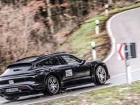 Porsche annonce l'arrivée de la Taycan Cross Turismo