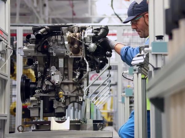 PSA promet d'être au meilleur niveau sur les moteurs essence