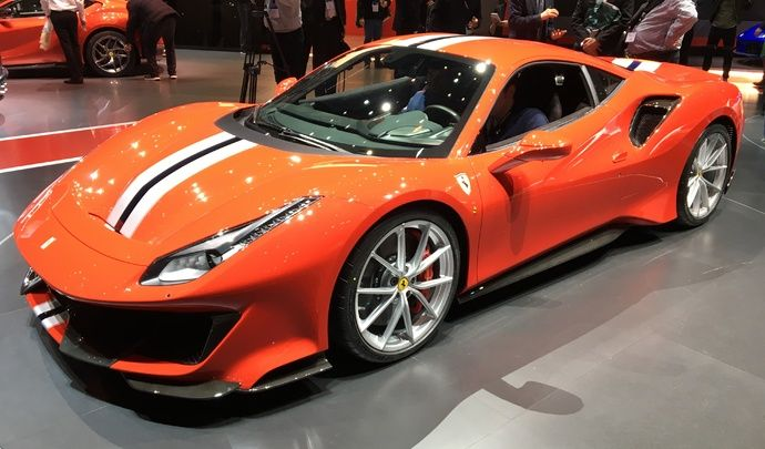 Ferrari 488 Pista : sauvage - Vidéo en direct du Salon de Genève 2018