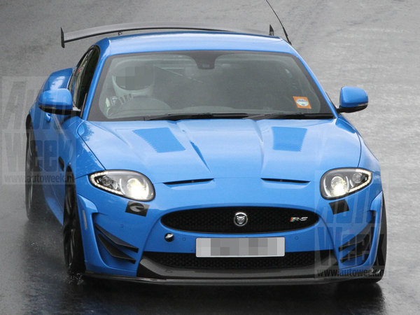 Surprise : une Jaguar XKR-S radicale en test