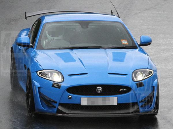 Surprise : une Jaguar XKR-S radicale en test