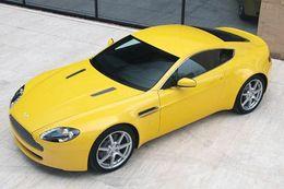 """Pour Noël, offrez un kit Sport à votre """"vieille"""" Aston Martin V8 Vantage"""