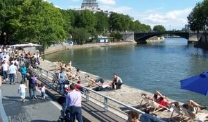 Paris: aucune nouvelle mesure anti-voiture avant le bilan de la fermeture des voies sur berges