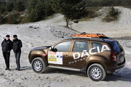 Deux Dacia Duster sur le Rallye des Gazelles