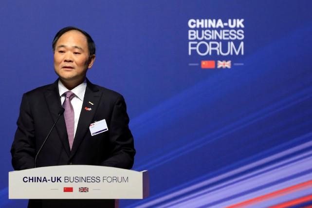 Le milliardaire chinois Li Shufu devient son 1er actionnaire — Daimler