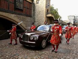 Insolite: reine d'Angleterre cherche chauffeur