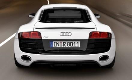 Audi R8 : boite de vitesse à double embrayage et autres nouveautés au programme