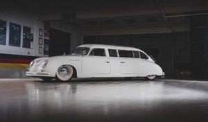 Une Porsche 356 transformée en limousine bientôt à vendre