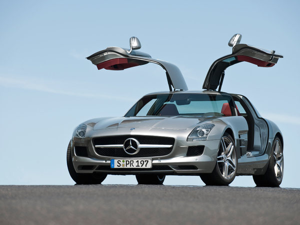 Mercedes SLS AMG 4 portes: le démenti