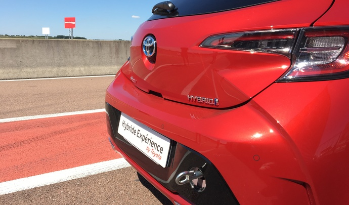 Vidéo - 24 Heures de l'Hybride Toyota: Caradisiac dans la course!