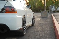 Mitsubishi Lancer Evolution 8 black and white