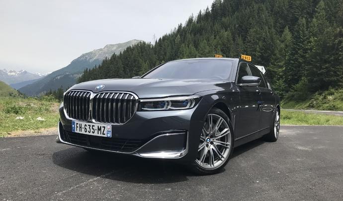 Premier essai de la BMW 745 - Vidéo en direct du salon de Val d'Isère 2019