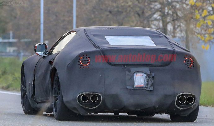 Ferrari : la F12 M dévoile ses caractéristiques