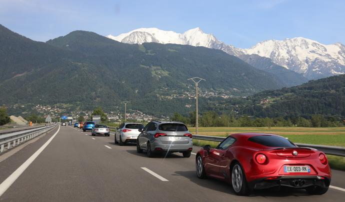 Road trip Caradisiac en Alfa Romeo - Fiat - Jour 1 : l'arrivée en Italie par le tunnel du Mont-Blanc (vidéo)