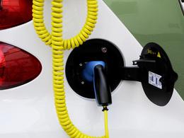 Amsterdam prête à se doter de 750 bornes de recharge pour véhicules électriques