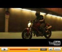 Vidéo Moto : Ducati Monster 696, film promotionnel