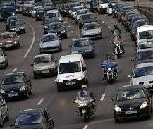 Officiel : la circulation inter-file des deux-roues entre en expérimentation