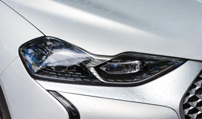 DS 3 Crossback E-Tense : l'électrique huppée à la française – Salon Caradisiac Électrique/Hybride 2021
