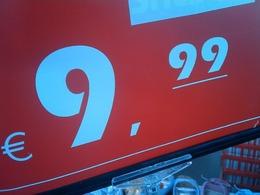 A Stuttgart, le litre d'essence est affiché à 9,99 euros