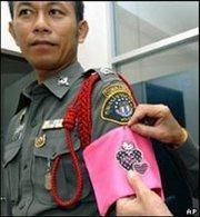 Hello Kitty sanctionne les policiers de Bangkok