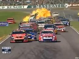 V8 Supercars : crash explosif et sourcils grillés ce week-end