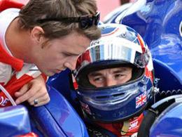 (24 Heures/direct) Mansell sort, la course neutralisée à 15h17