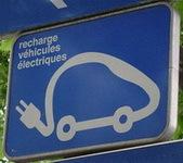 Au Japon, on standardise déjà les bornes de recharge pour véhicules électriques.