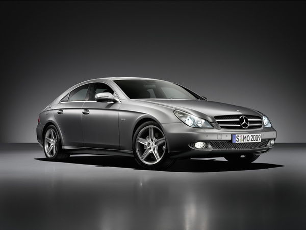 Mercedes CLS Grand Edition : mat attitude